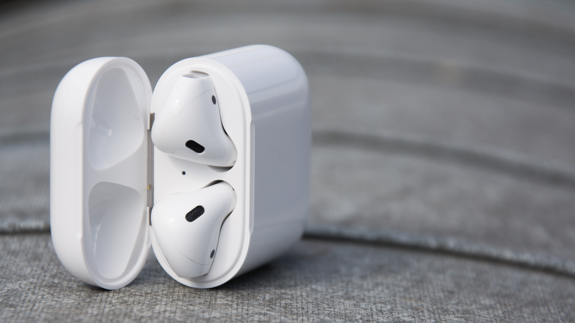 Новое поколение AirPods 2 и 3 беспроводные наушники Apple получат обновленный футляр с