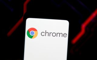 POLAND - 2020/06/15: In this photo illustration a Google Chrome logo seen displayed on a smartphone. (Photo Illustration by Mateusz Slodkowski/SOPA Images/LightRocket via Getty Images)